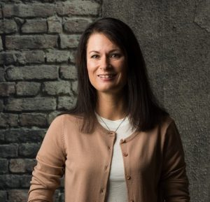 Linda Gunnarson, certified English to Swedish translator